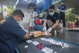 BNN Bali tangkap tersangka pemilik 25 kilogram ganja