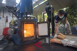 BNN Bali musnahkan ganja dan sabu-sabu (video)