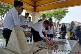 Petinggi TKN Jokowi-Ma'ruf ziarah ke makam WR Soepratman