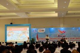Presiden Jokowi tantang pelajar bermain tinju