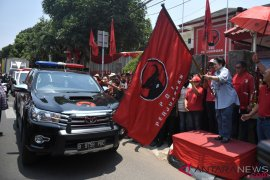 Megawati lepas pengiriman bantuan PDIP ke Sulteng