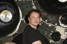 Elon Musk setuju mundur sebagai pimpinan Tesla