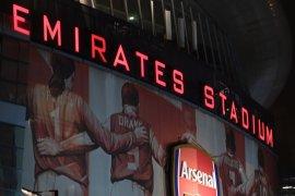 Arsenal teken kontrak baru dengan Adidas