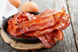 Burukkah mengonsumsi bacon?
