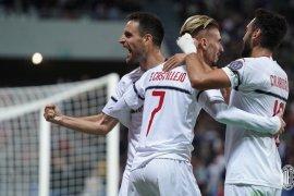 Milan lumat Sassuolo 4-1