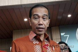 Jokowi beli jaket di Ideafest, apresiasi kreativitas anak muda Indonesia