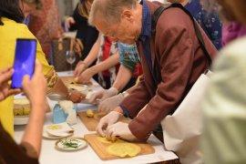 Puluhan agen perjalanan Jerman belajar masakan Indonesia
