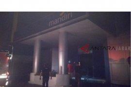 Kantor Bank Mandiri Cianjur terbakar