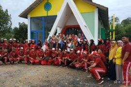 Sebanyak 300 kepala keluarga di desa Sumber Harapan tekuni Tenun Songket Sambas