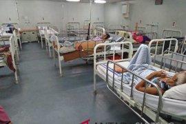 KRI Dr. Soeharso Tangani Korban Bencana Page 1 Small