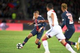Mbappe caturgol, PSG pecahkan rekor