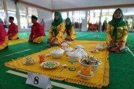 Kota Pontianak kenalkan budaya makan saprahan kepada pelajar