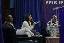 Belajar parenting era digital, Himaiko IPB hadirkan Mona Ratuliu