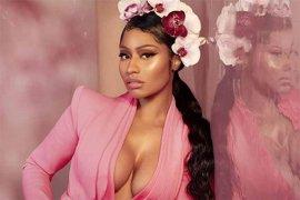 Nicki Minaj rilis merchandise bertuliskan ledekan untuk Cardi B