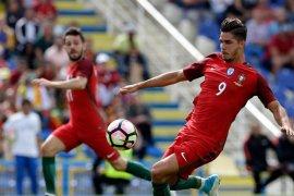 Ronaldo Absen, Portugal Kalahkan Polandia