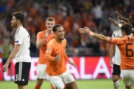Koeman: Virgil van Dijk dapat dimainkan Liverpool kontra Huddersfield