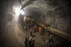 China Akan Bangun Terowongan Kereta Cepat Bawah Laut