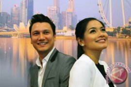 Titi Kamal Bahagia Punya Suami Christian Sugiono
