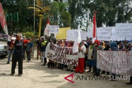 Buruh PT Nagali demo