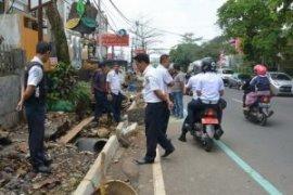 Antisipasi banjir Dishub Sukabumi perbaiki lima titik drainase