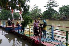 Wisatawan masih keluhkan akses menuju obyek wisata Hutan Bambu