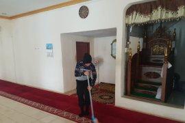 Hotel Horison Gorontalo gelar aksi sosial bersihkan Masjid