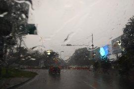 BMKG perkirakan hujan disertai angin kencang akan terjadi di Ngawi hari ini