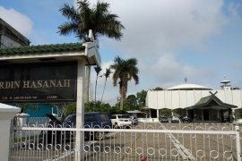Jenazah Zulkifli Nurdin  disholatkan di Masjid Nurdin Hasanah