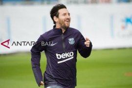Cedera lengan cepat sembuh, Messi latihan lagi