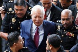Pengadilan Malaysia tunda sidang mega 1MDB yang menyeret mantan PM Najib Razak