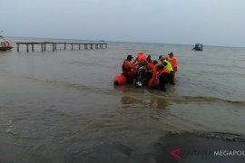 Ubur-ubur mengecoh tim gabungan penyisir permukaan laut