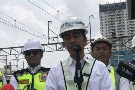 Jokowi sebut Alhamdulillah Yusril bersedia jadi pengacaranya