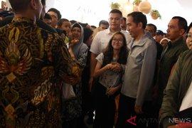 Capres Jokowi kunjungi pusat perbelanjaan
