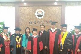 """Megawati: Gelar Honoris Causa tepis isu """"drop out"""""""