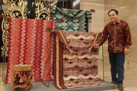 Batik sulam sutera RPG istimewa dengan desain khas Garut