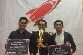 Mahasiswa IPB juara 1 debat SDGs