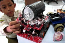 Siswa Surakarta ciptakan robot deteksi korban bencana