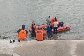SAR Bojonegoro Belum Temukan Korban Tenggelam di Bengawan Solo