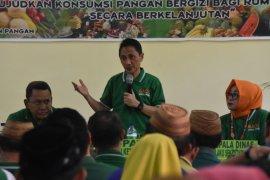 Pemkab Gorontalo Salurkan Bantuan Pangan Nontunai