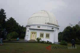 Observatorium Bosscha lakukan pengamatan hilal di Lembang dan Kupang