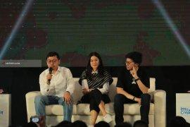 "CEO Bukalapak Berbagi Ilmu Usaha di Acara ""Innocreativation"" Surabaya"