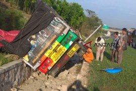 Kecelakaan di tol Palikanci, sopir truk meninggal dunia