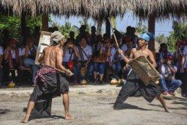 Atraksi Budaya Dusun Adat Ende Page 1 Small