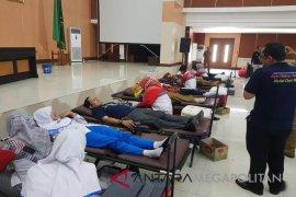 Bekasi sumbang 4.500 kantong darah kepada PMI