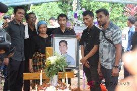 Janri korban kecelakaan Lion Air JT 610 dimakamkan di Jambi