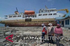 Kapal yang ditumpangi wartawan Antara TV terbalik dihantam ombak