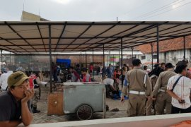 Risma : Penertiban PKL Gembong Kota Surabaya Untuk Keadilan
