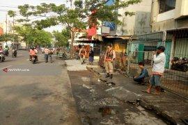 Ratusan Personel Satpol PP Surabaya Jaga Kawasan Gembong