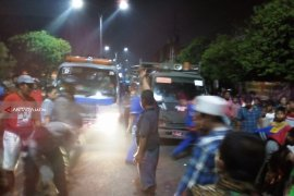 Penertiban PKL di Gembong Surabaya Ricuh