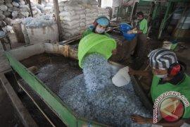 Mengurangi sampah plastik dibutuh peran industri